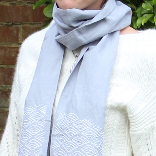 CT008_Hemp_scarf_lifestyle2